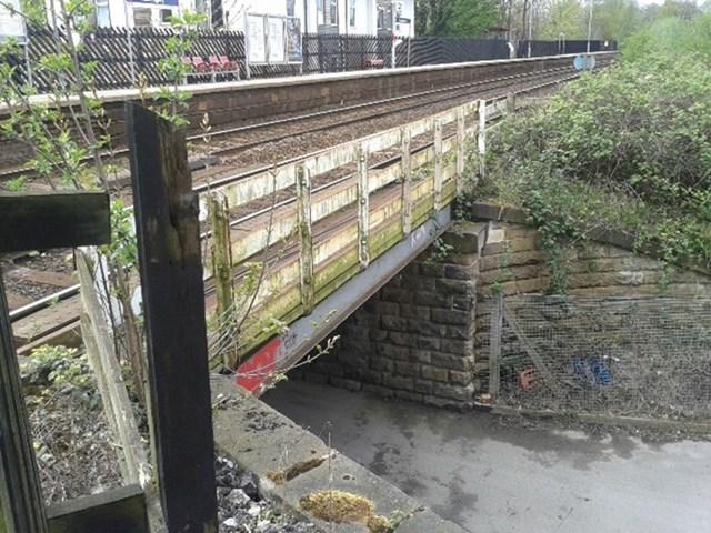 Railway bridge upgrade for Headingley: The railway bridge at Kirkstall Lane in Headingley is to be upgraded