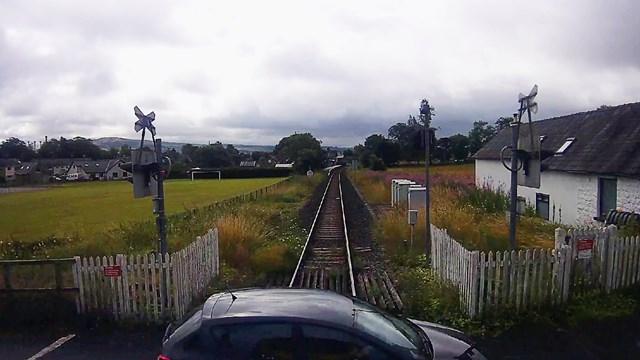 Burneside level crossing CCTV near miss still (1)