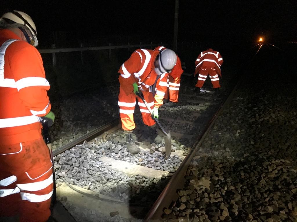 Network Rail gives suppliers cashflow boost: Track renewal work at Carnforth-2