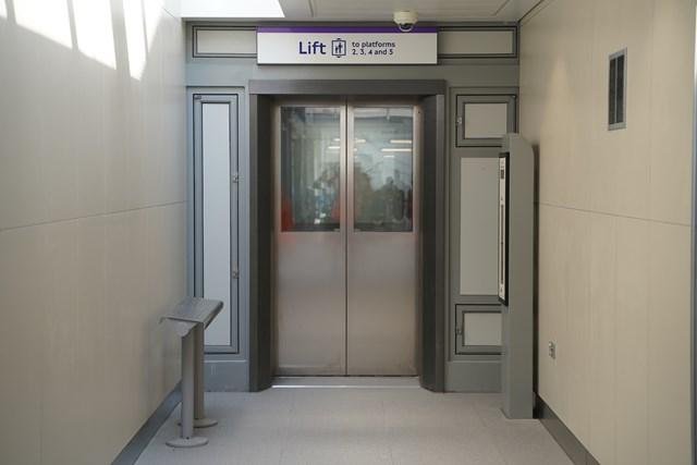 TfL Image - PN076 - West Drayton lift to main platforms