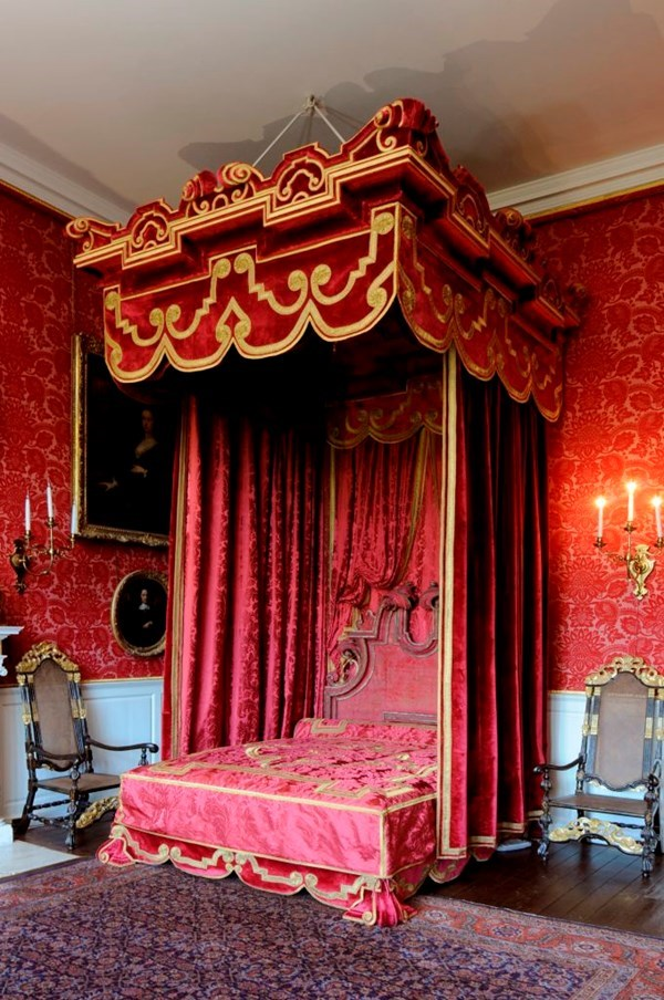 Object of the week- The state bed at Temple Newsam: statebed.jpg