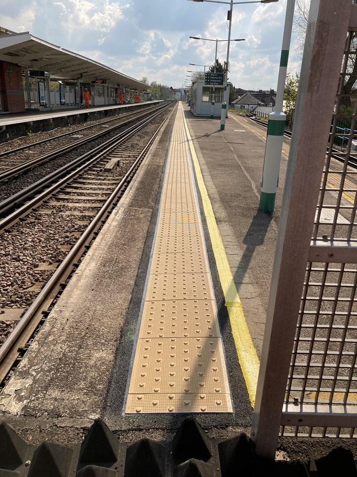 Tactile paving at Balham station