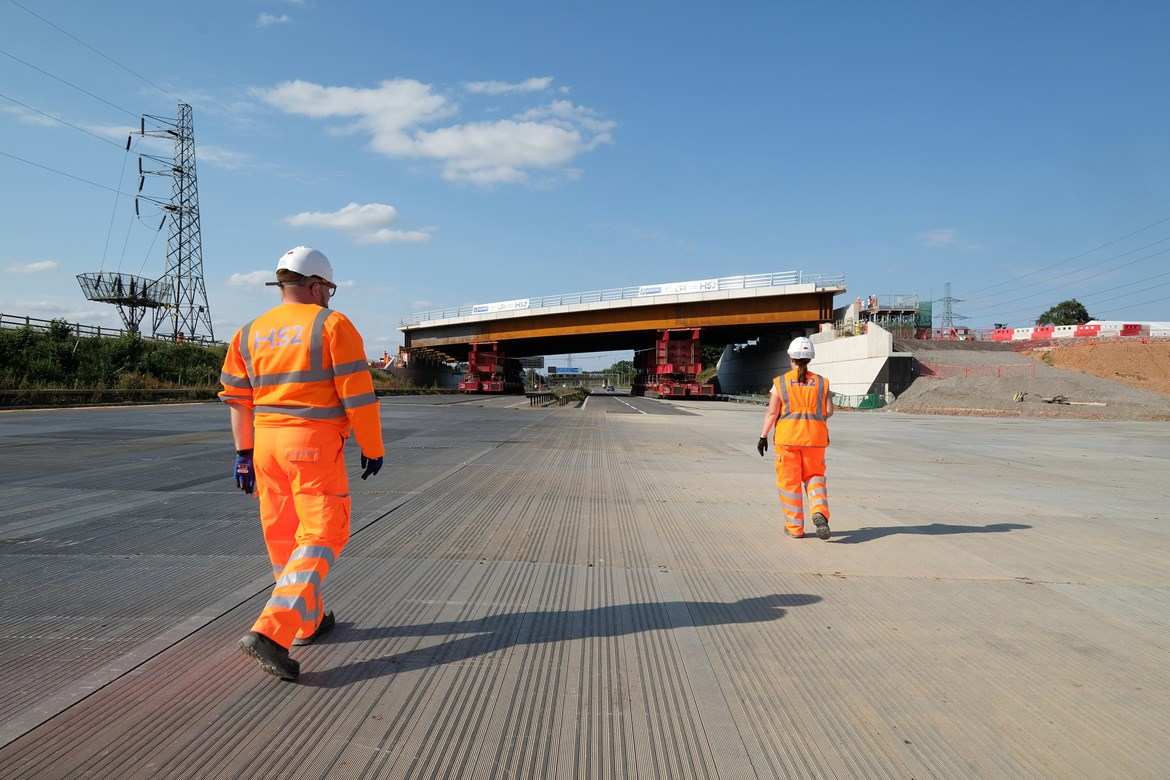 HS2 installs new modular bridge over M42 in just two days: HS2 completes M42 bridge installation ahead of schedule August 2020