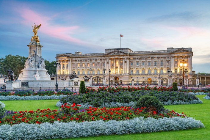London showcases events with royal flair: Buckingham Palace-2