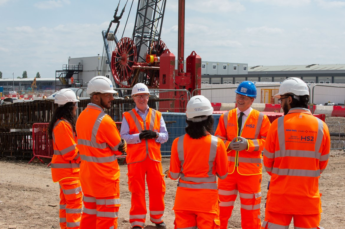 Old Oak Common Station Construction Start of Works: Transport Secretary, Rt Hon Grant Shapps MP, and Mark Thurston meet BBVS apprentices working on the construction of the HS2 super-hub at Old Oak Common