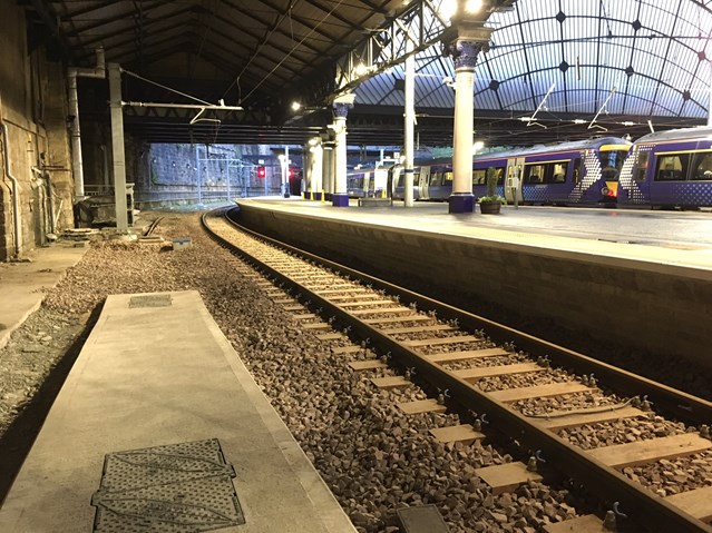 New platform arrives for Glasgow Queen Street passengers: New extended platform 1