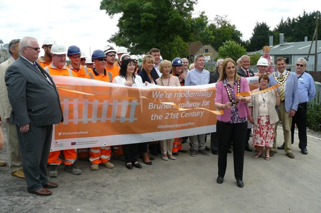 Wantage Road bridge reopens as work to electrify the railway through Oxfordshire continues: Wantage Road Bridge opening event