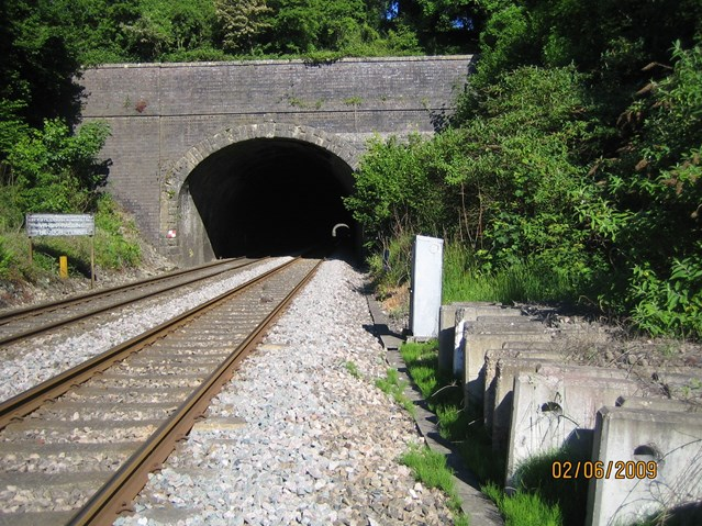 VICTORIAN SHAFTS AT SAPPERTON GET STRENGTHENED: Sapperton tunnel shafts get strengthened