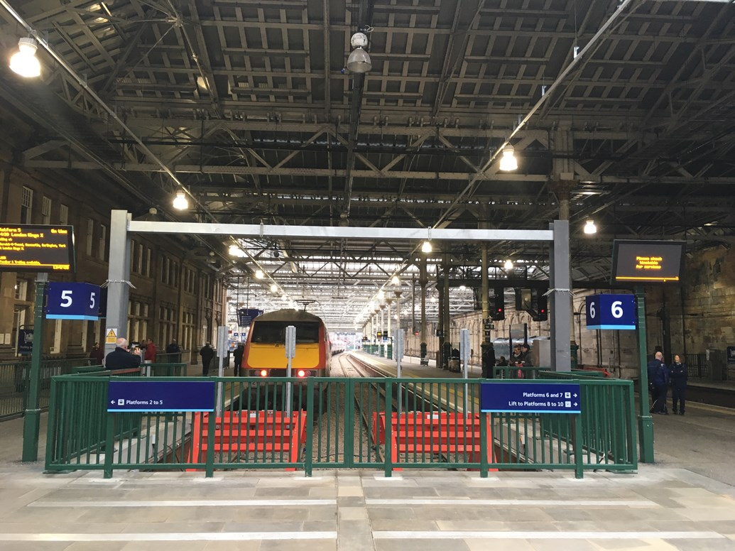 Crossover commissioning marks Waverley works completion: New Waverley platforms 5 and 6