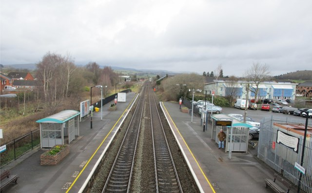 Vital track upgrade sees temporary closure of Craven Arms level crossing in Shropshire: Craven Arms Station-2