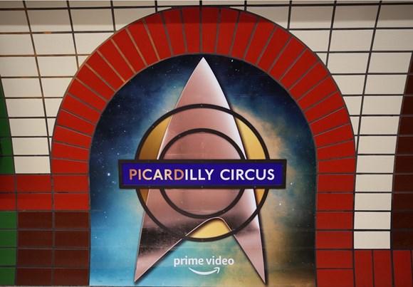 TfL Image - PICARDilly roundel close-up