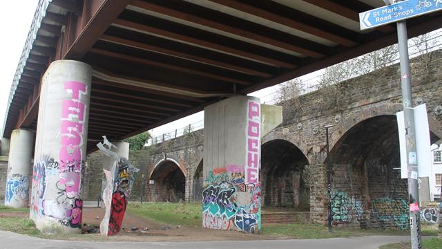 Community art scheme launched to tackle graffiti on the railway: Bristol FoxPark Graffiti