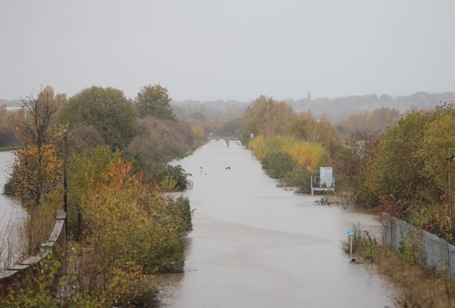 Railway disruption in Yorkshire set to continue due to heavy flooding: Flooding near Swinton (08112019)