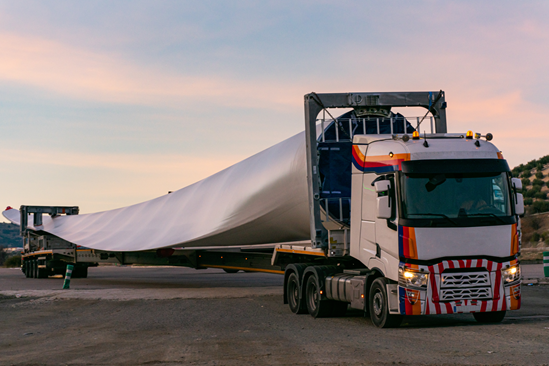 Wind turbine blade: HS2 Innovation Accelerator company pioneers technology to cut carbon and concrete waste