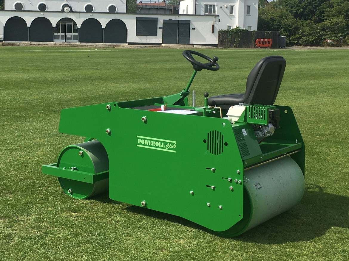 Gawcott & Hillesden Cricket Club secures HS2 community funding for new pitch roller: CLUB roller (003)