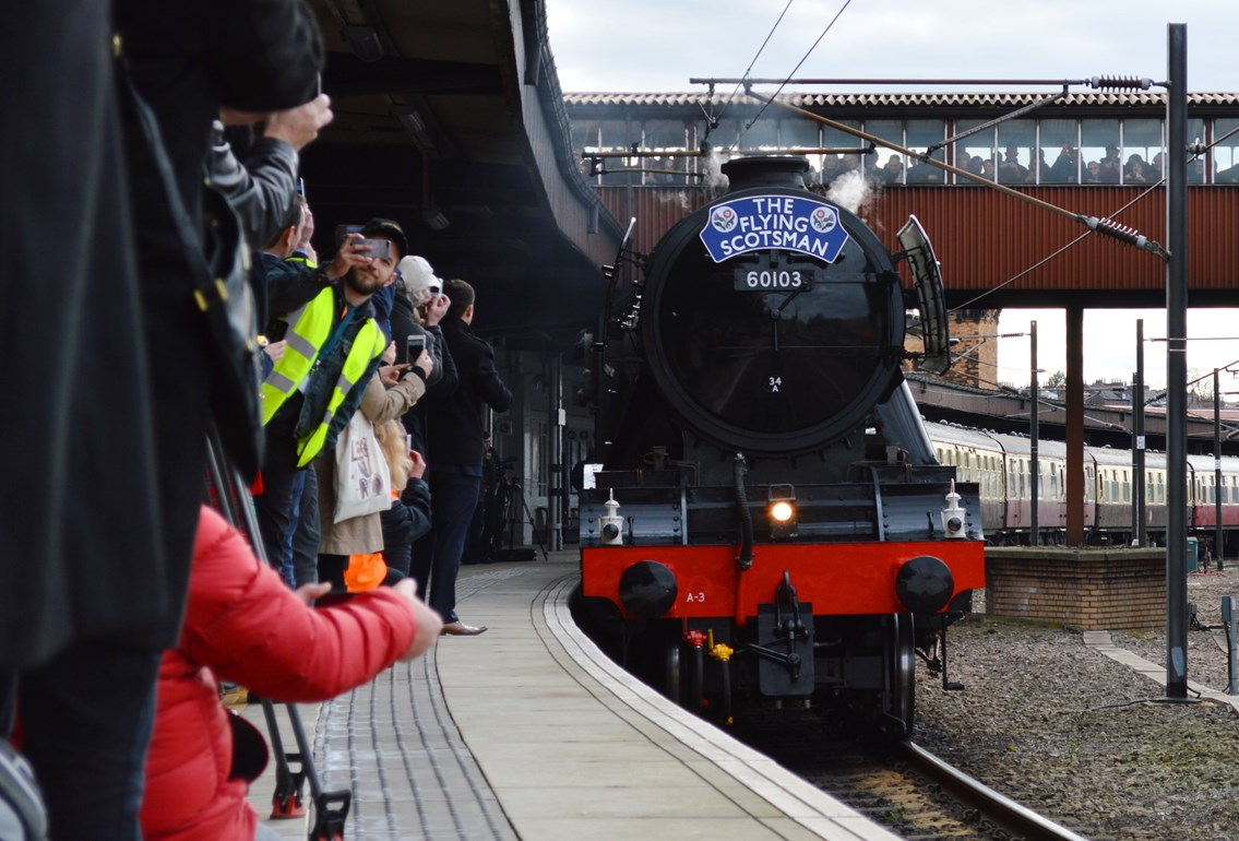 Fans urged to stay safe as Flying Scotsman heads to Yorkshire: Flying Scotsman-9