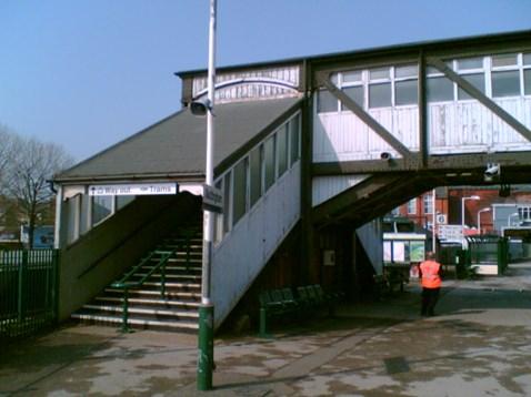 Nottingham station footbridge_001