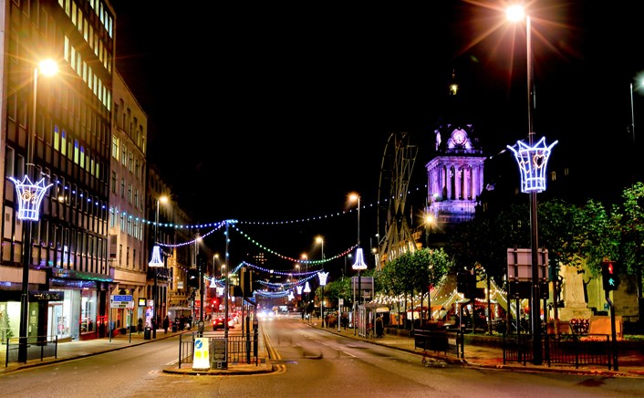 Bright idea calls on residents to help light up Leeds this Christmas: Lights16-335