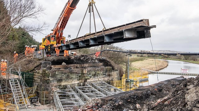 Old Oswaldtwistle bridge being removed