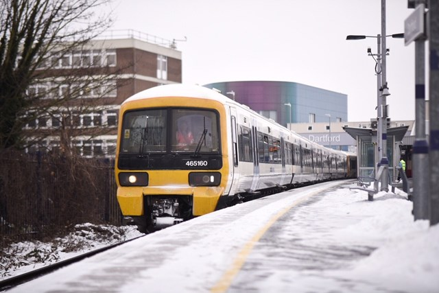 Class 465 in snow at Dartford