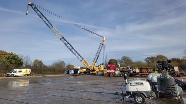 Trent & Mersey bridge scheme 800 tonne crane