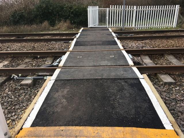 Snuff Mill Lane level crossing