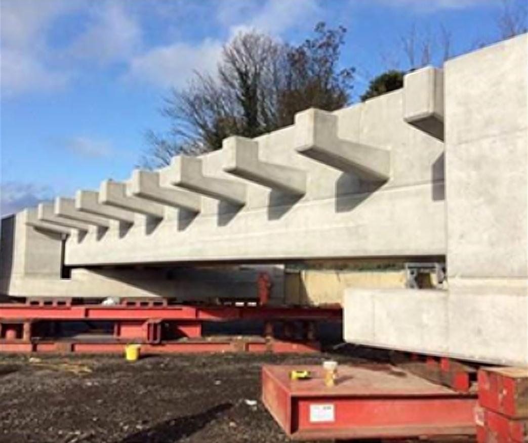 Bridge replacement near Croydon, part of £750m project to modernise the railway across Sussex: Work at Selsdon Road bridge