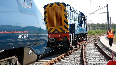 Pendo meets shunter at Widnes depot