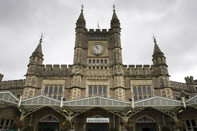 Rail travel in Bristol to be transformed with faster and more frequent services to London from 2019: Bristol Temple Meads station