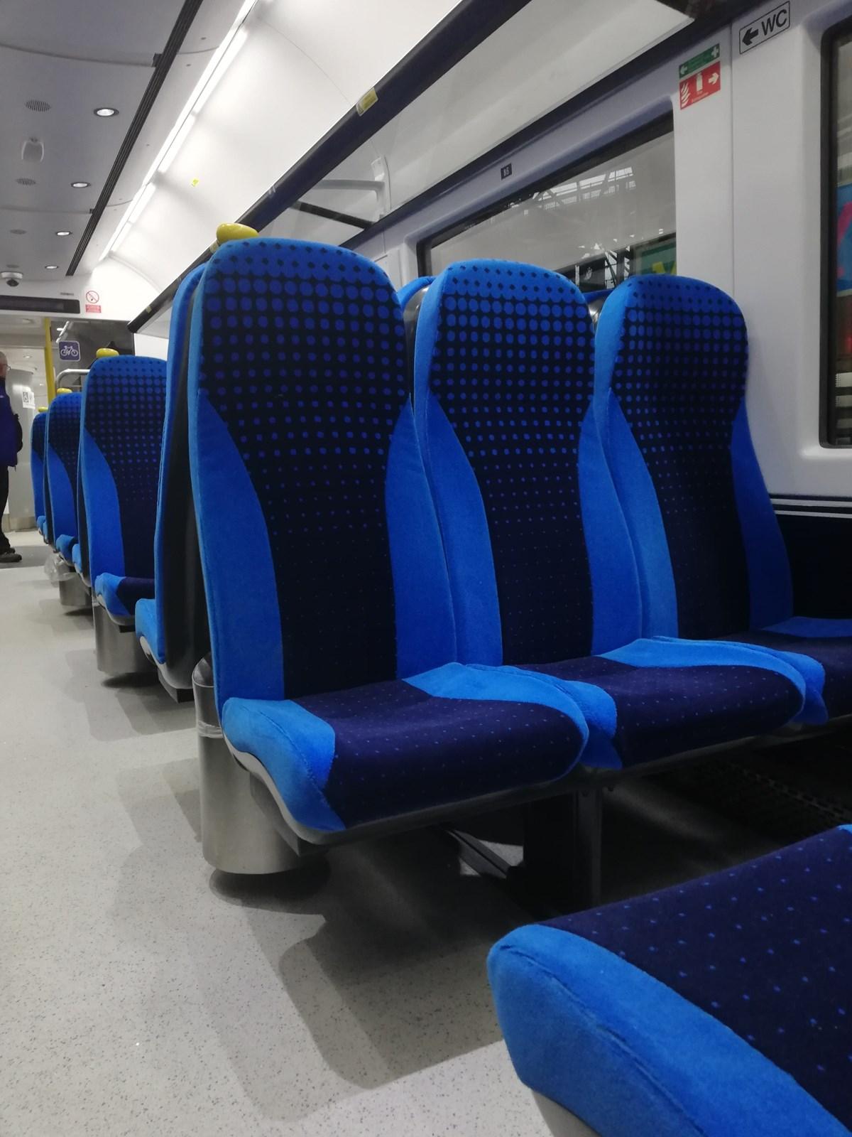 Class 333 internal 2