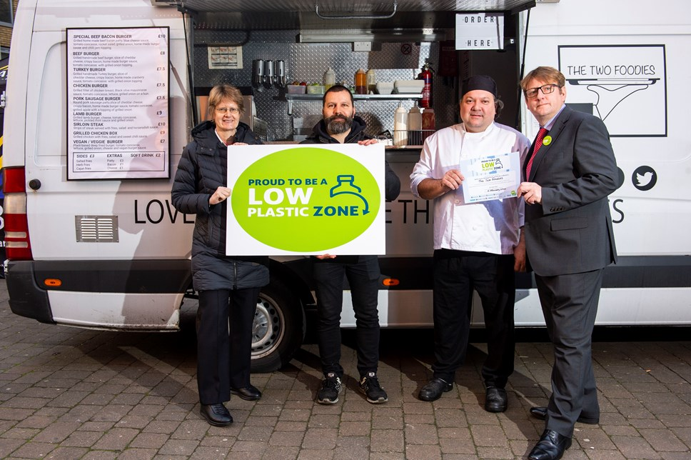 First 'Low Plastic Zone' launches in Islington as businesses respond to demand: Cllr Champion awards LPZ certificate