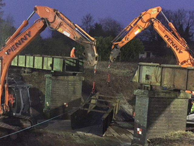 Demolition of the old aqueduct