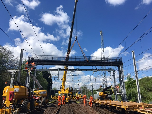 13 May Craning in new signal gantry 1