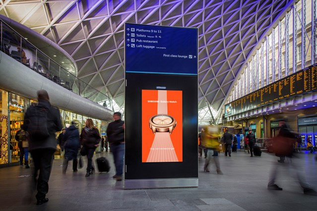 A new £280m digital advertising deal between Network Rail and JCDecaux will transform the passenger experience at largest stations: Kings Cross Station D6 and wayfinding sm
