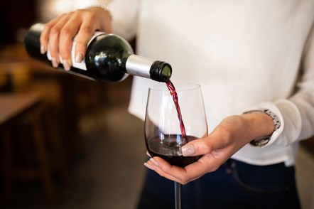 GettyImages-1209108178-wine-glass-1024x682-2