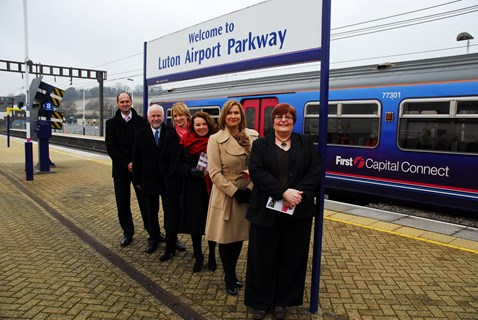 Luton Airport Parkway extended platforms opening