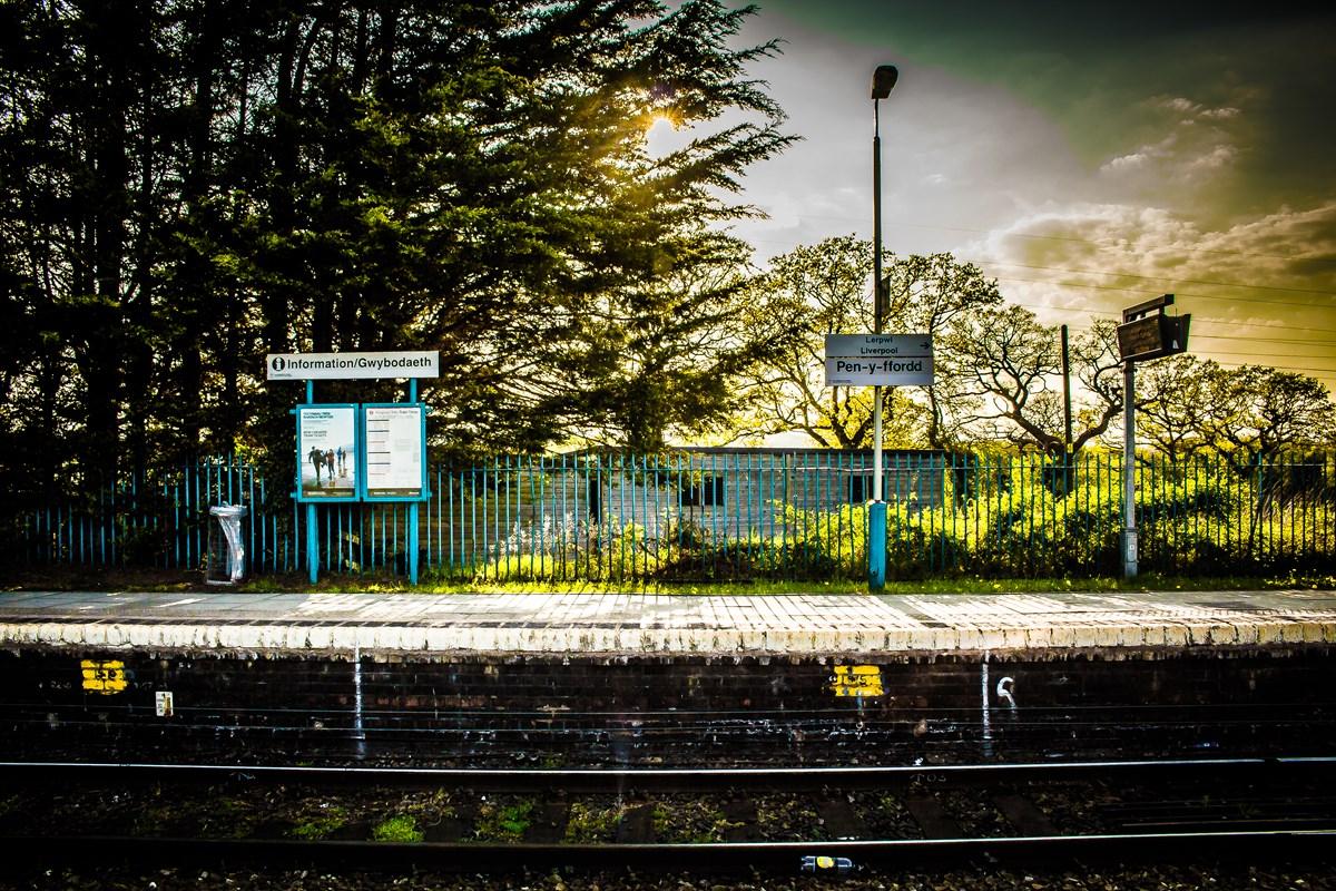 Pen-y-ffordd station