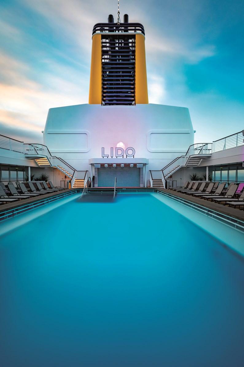 Saga Cruises - Spirit of Discovery -The Lido