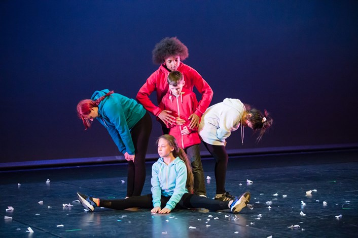 Annual free youth arts festival Breezes in to Leeds: wypfirstfloorperformancebreezearts.jpg