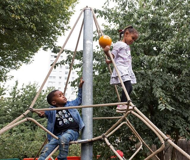climbing frame friends