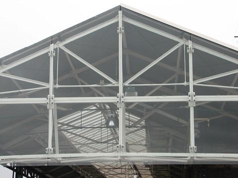 Glazed gable end above platform 7