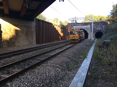 Wiring in Farnworth tunnel