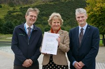 l to r - Clive Mitchell, SNH Outcome Manager for People and Nature - Roseanna Cunningham - Ewan Hyslop