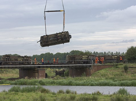 Wagon lift on Ely rail bridge begins