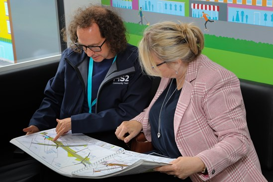Communities in Crewe encouraged to find out more about HS2's journey to the North: HS2 staff at Community Engagement event
