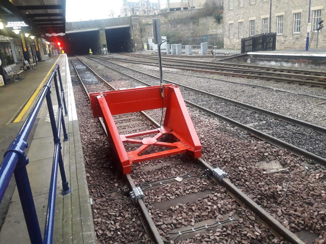 Huddersfield station platform extension