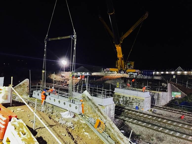 TIMELAPSE: Triple bridge demolition work completed in Monmouthshire as preparation for railway electrification continues: Huggets road bridge demolition Christmas 2016