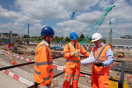 Old Oak Common start of conctruction: Transport Secretary, Grant Shapps MP, meets Mark Thurston and Matthew Botelle before starting the construction work at Old Oak Common station.