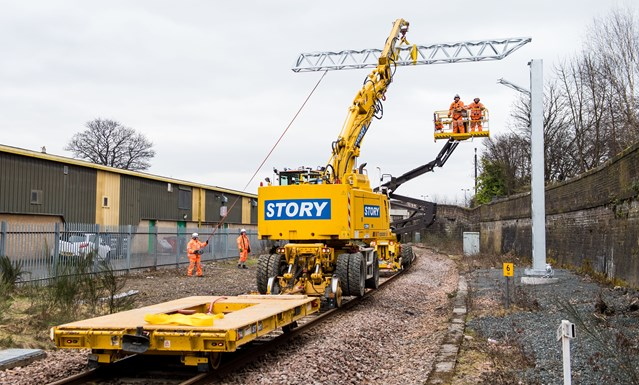 Story to complete Waverley platform enhancements: Story overhead line engineers, Scotland