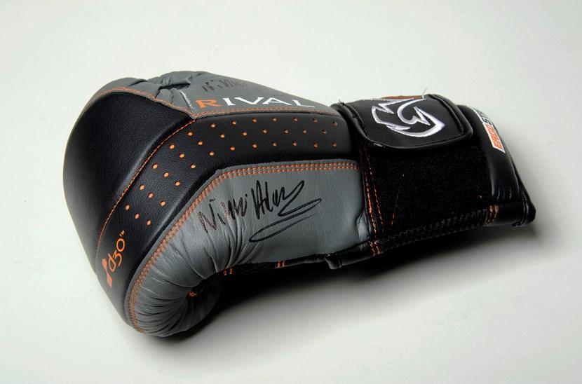 Object of the week- Nicola Adams' boxing glove: 7.glovebelongingtoolympicboxernicolaadamsleedm.e.2017.new.2.jpg